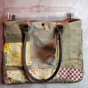 RECYCLED TOTE VINTAGE TEXTILES 1 of 1